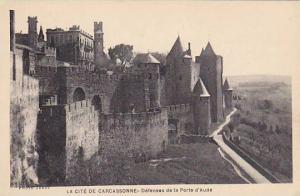 RP: LA CITE DE CARCASSONNE, Defenses de la Porte d'Aude, France, 10-20s