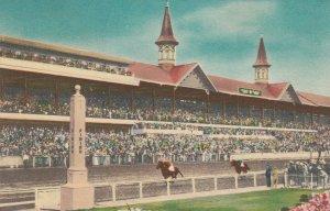 LOUISVILLE , Kentucky , 1930-40s ; Churchill Downs Horse Race Track
