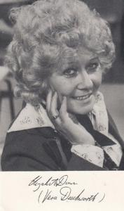 Vera Duckworth as Elizabeth Dunn Coronation Street Printed Signed Old Cast Card