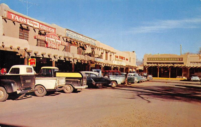 Taos New Mexico~Downtown~Walgreen Drugs~Funk's 5&10~Federal Stores~1950s Cars