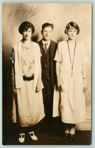 Charleston WV~Gravely & Moore Studio~Young Gent & Ladies~1925 Baggy Dresses~RPPC