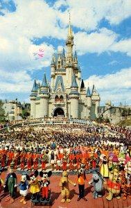 FL - Orlando. Walt Disney World. Cast of Thousands