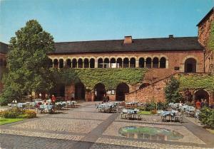 GG14058 Trier Brunnenhof an der Porta Nigra Court de Fontaine
