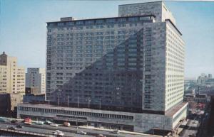 Exterior,  The New Queen Elizabeth Hotel,  Montreal,  P.Q.,  Canada,   PU_1951