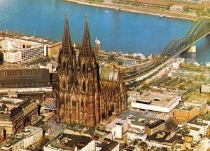 Germany Koln am Rhein Luftbild Dom mit Hauptbahnhof, Messegelaende cathedral