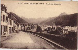 CPA Le MONT-DORE-Route de CLERMONT (46455)