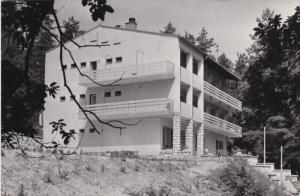 RP:  TELKIBANYA , Hungary , 50-60s : Hostel Ezustfenyo