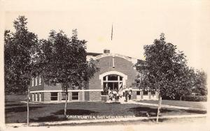Sutherland Iowa~School Building~Kindergarten Class on Steps~1923 Real Photo~RPPC