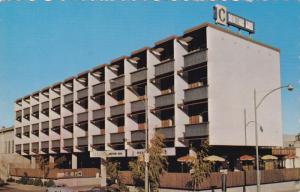 Caraval Motor Inn , KELOWNA , B.C. , Canada , 50-60s