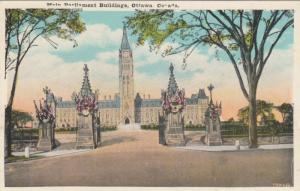 OTTAWA , Ontario , 10-30s ; Main Parliament Buildings
