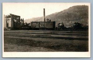 TRAIN WRECK FIRE 1928 RAILROAD ANTIQUE REAL PHOTO POSTCARD RPPC RAILWAY