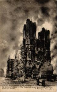 CPA  Militaire - Reims - La Cathedrale en feu - 1914  (695205)