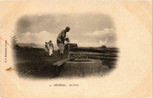 CPA AK Au Puits - Folklore SENEGAL (778581)