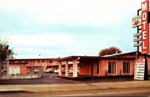 California Cypress Oeacock Motel