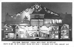 G16/ South Miami Florida RPPC Postcard c1950s Holsum Bakery Holiday Display