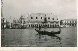 Italy - Venice, Palazzo Ducale E. Gondola   **RPPC