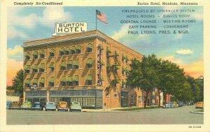Burton Hotel roadside Mankato Minnesota 1940s Postcard Flag Teich 20-12012