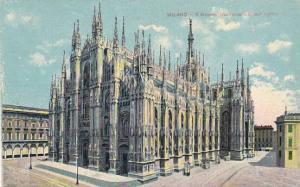 Italy Milano Il Duomo