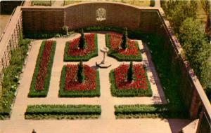 New Bern, NC, Tryon Palace Restoration, Kellenberger Garden, Postcard d4427
