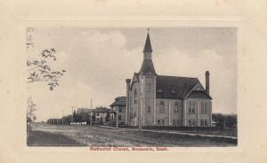 MOOSOMIN , Saskatchewan , CANADA, 00-10s  ; Methodist Church & Street