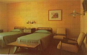WEST HENRIETTA, New York , 50-60s ; Trenholm Motor Lodge, Room view
