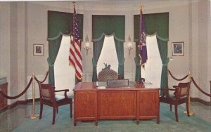 Desk Chairs And Flags Used By Mr Hoover Herbert Hoover Library West Branch Iowa