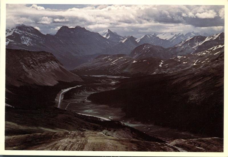 Icefield Parkway between Banff and Jasper AB, Alberta, Canada