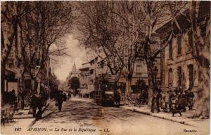 CPA AVIGNON - La Rue de la Republique (511619)