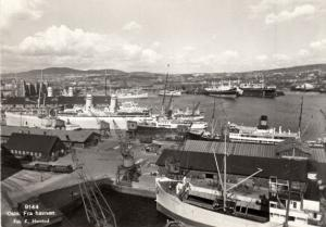 Oslo Fra havenen    Harbor Scene