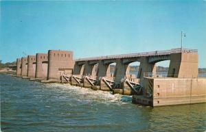 Muscatine, Iowa, IA, Lock & Dam No. 16, Chrome Vintage Postcard d7272
