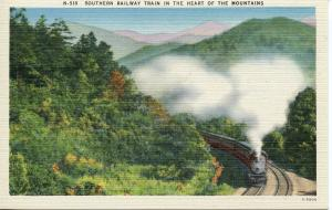 US    PC664   SOUTHERN RAILWAY TRAIN IN THE HEART OF THE MOUNTAINS