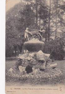 France Troyes Le Vin Vase en bronze de Briden 1918