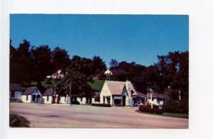 Hannibal MO Miller's Court & Service Station Postcard