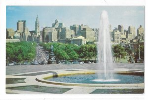Philadelphia PA Skyline Benjamin Franklin Parkway Art Museum Fountain Postcard