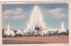 Illinois Chicago Buckingham Fountain In Grant Park Curteich