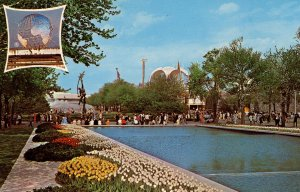 NY - 1964-65 World's Fair. Pool of Reflections, Court of Peace