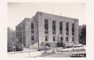 RP: MINOT , North Dakota , 30-40s , Court house