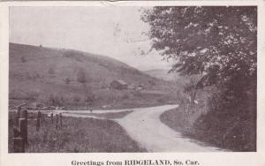 RIDGELAND , South Carolina , 1918 ; Fork in farm road