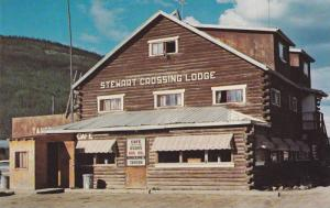 Exterior, Stewart Crossing Lodge, at the old ferry landing on Stewart River, ...