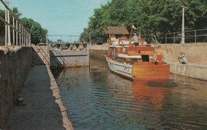 BOBCAYGEON , Ontario , 1950-60s ; Locks