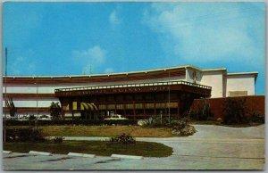Deerfield Beach, Florida Postcard BAREFOOT MAILMAN HOTEL Route 1 Roadside Chrome