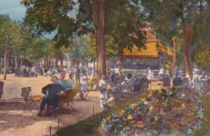 VITTEL , Vosges , France , 00-10s ; Le Parc a l'heure de la Musique