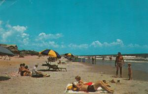 MYRTLE BEACH , South Carolina , PU-1973; Beach scene