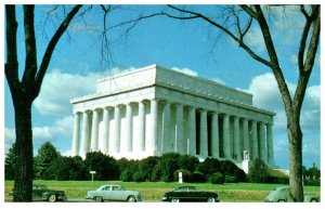 Classic cars in front of Lincoln Memorial Washington DC Vintage Postcard