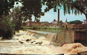 USA Wisconsin Burlington The Falls at Echo Park 04.13