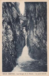 SERVOZ, Les Gorges de la Diosaz, Le pont naturel, France, 10-20s
