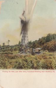 BRADFORD , Pennsylvania , 1900-10s ; Flowing Oil Well