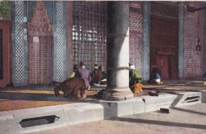 Turkey Constantinople La priere dans la Mosquee