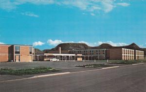 High School , DRUMHELLER , Alberta , Canada , 40-60s