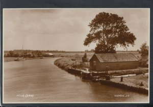 Norfolk Postcard - Acle Showing The Bridge Hotel Sign  T9060